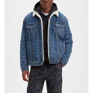NEW Levi's Sherpa Trucker Denim Blue Jean Jacket M